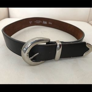 Levi's ladies belt with large silver buckle.